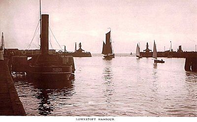lowestoft , photographic postcard,paddle steamer tug in harbour, c1910 vgc