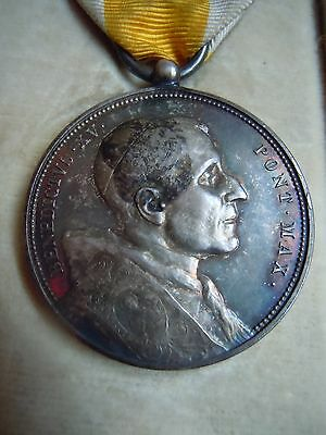 Antique Religious Medal By 'stephano Johnson' Of Milan In Original Box.