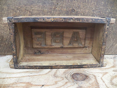 Old Antique Refurbished Wood Wooden Brick Mold Box 9.5 in x 4.5 in Lot 10