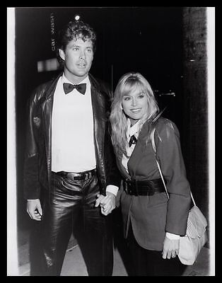 1985 CATHERINE HICKLAND & DAVID HASSELHOFF In Leather Vintage Original Photo gp