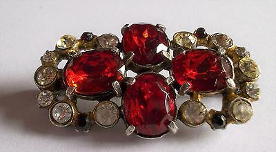VINTAGE 50s GCLEAR CRYSTAL RED FACETED GLASS BROOCH