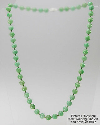 Chinese Jadeite Bead Necklace with 14K White Gold and Diamond Clasp, Mid 20th C.