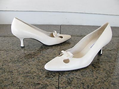 Pancaldi Sz 7.5 B Ivory Leather Pointed Kitten Heel Women's Shoes Made in Italy