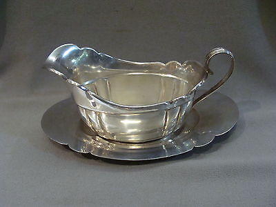 Stunning Wallace Sterling Silver Cream or Gravy Boat with Under-plate