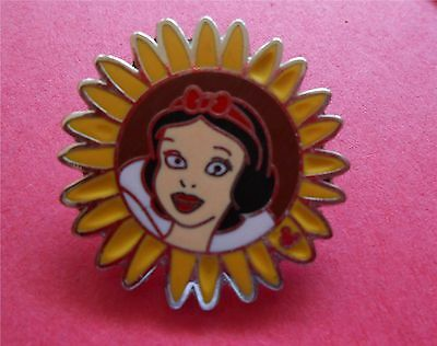 Snow White Princess Flowers Collection Disney Lapel Pin