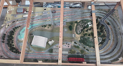 2x1.2M N Gauge Model Railway With Scenery, Trains, Carriages, Trucks and Extras