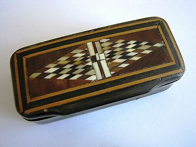 snuff box with marquetry on lid