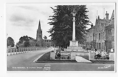 Witney Oxfordshire - The Stone Cross War Memorial & Church Green