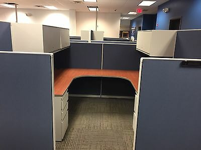 CUBICLE/PARTITION by STEELCASE 9000 7 1/2ft x 7 1/2ft