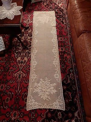 GORGEOUS Large Vtg Hand Crocheted Netted Table Runner Floral 70x18