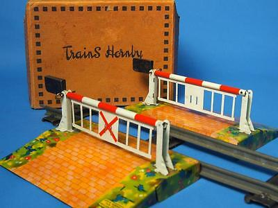 Hornby O gauge boxed barrier type crossing