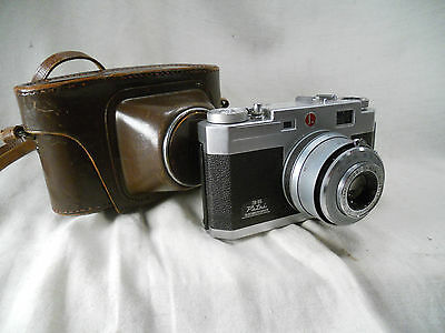 Petri 35 Rangefinder with f/2.8 45mm lens & Case