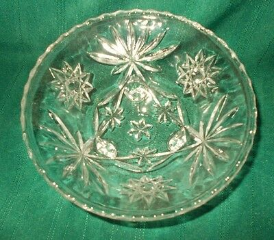 "6-3/4"" ANCHOR-HOCKING Early American Prescut EAP Star-of-David footed bowl"