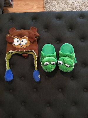 Boys Flipeez Hat And Stompeez Slippers Size Small
