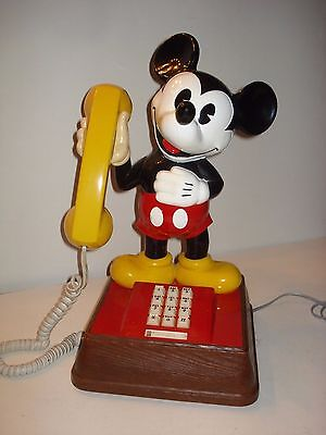 Vintage Walt Disney 1976 Mickey Mouse Phone Push Button Telephone Disney