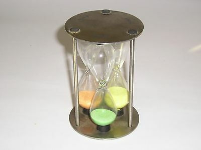 Novelty 3 Way Egg Timer With 3, 4 And 5 Minute Glass Timers  For Your Eggs !