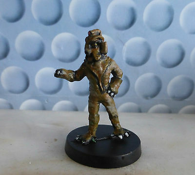 Harlequin Miniature - Dr Doctor Who - Silurian Attacking