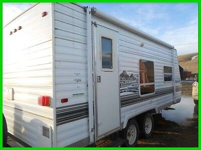2005 Forest River Wildwood 22FBLE 22' Travel Trailer Awning Solar Panel on Roof