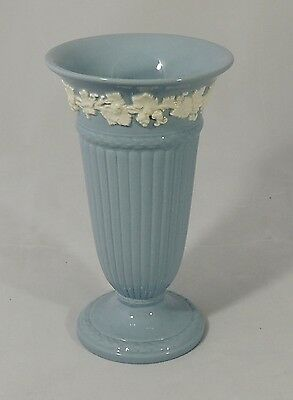 Wedgwood Etruria Barlaston Embossed Queen's Ware Lavender Blue Trumpet Vase New