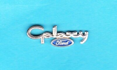 Silberner Ford Galaxy - Pin