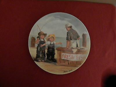 """Edwin M Knowles Ceramic Collector Plate """"Fish Story"""". Plate number L7495"""
