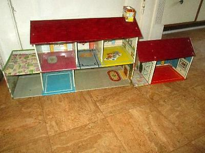 VINTAGE 1950's MARX TIN LITHOGRAPH DOLL HOUSE w/ FURNITURE