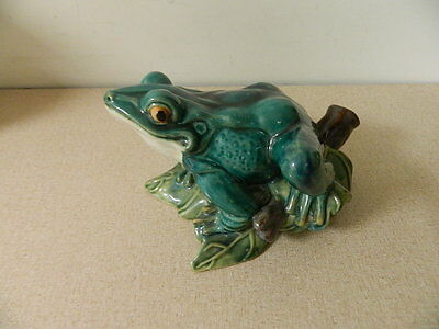 "LARGE VINTAGE FROG ON GREEN LEAVES STATUE 11"" x 9"" HEAVY"