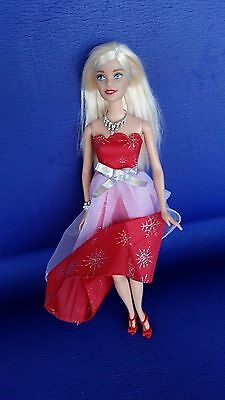 Stunning Barbie doll Blonde hair Red lips MINT