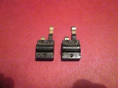 Tri-Ang `tt Gauge` (Two) T164 Power Clips