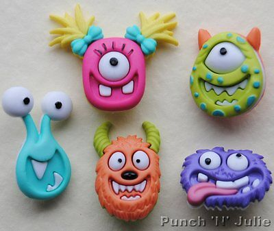 MAD FOR MONSTERS - Face Alien Fantasy Children Novelty Dress It Up Craft Buttons