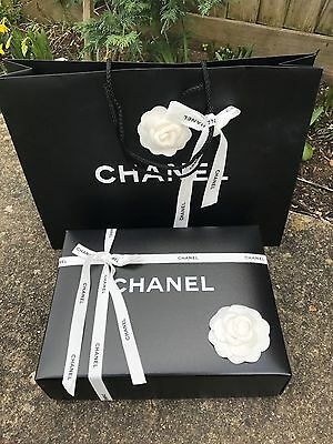 chanel flatbag  box H9/L29/W22cm,carrier bag  ''gift wrapping''.