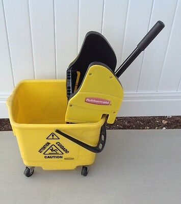 rubbermaid prolife yellow mop bucket with wringer 28 qrts will ship or pick up