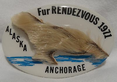 1971 Anchorage Fur Rondy Rendezvous Collector Pin Pinback Seal