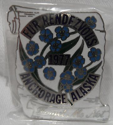 1977 Anchorage Fur Rondy Rendezvous Collector Pin Pinback Forget Me Not Flower