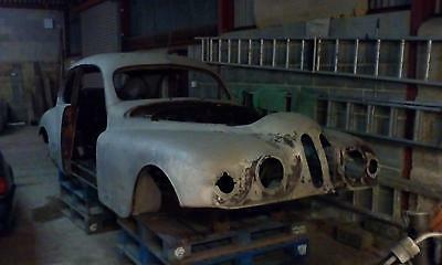 Bristol 401 body shell and chassis