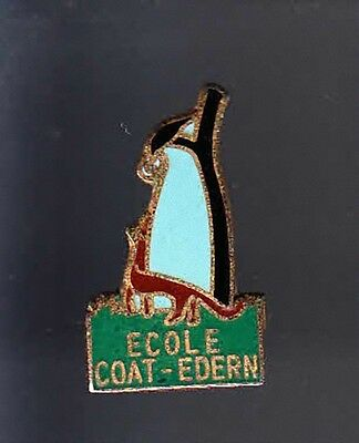 Rare Pins Pin's .. Animal Renard Fox Corbeau La Fontaine Ecole Coat Edern 29~Bb