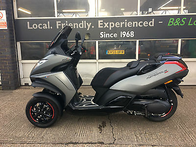 Peugeot Metropolis 400cc 400i RS Scooter 3 wheel 400i
