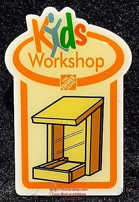 LMH PINBACK Pin Button WINDOW BIRD FEEDER Squirrel Home Depot Kids 2006 Workshop
