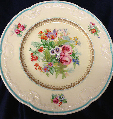 Meakin Alfred Rosalind 10.25 Dinner Plate Scalloped Embossed Floral Center Tulip