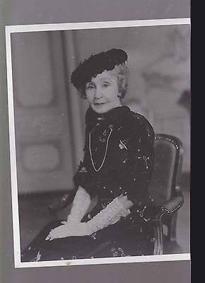 8 X 10- B & W Photo Of-Grace George In Chair