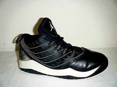 2014 Air Jordan Basketball Shoes Boys size 2Youth (693362-010)