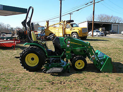 Very Nice  John Deere 2520   4 X 4  Loader  Tractor  Only 100 Hours