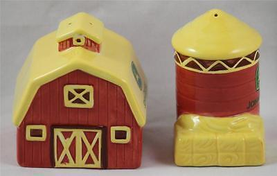 John Deere Salt Pepper Shaker Set Barn Silo  Brand New