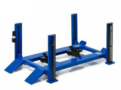WORKSHOP - 4 POST HOIST in 1:18 Scale by Greenlight