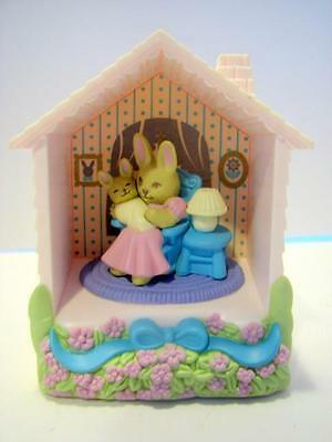 Nib Avon Memories Of Home Musical Shadow Box/brahms Lullaby