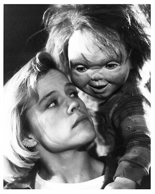 CHILD'S PLAY 2 great scene still with CHUCKY & CHRISTINE ELISE - (g147)
