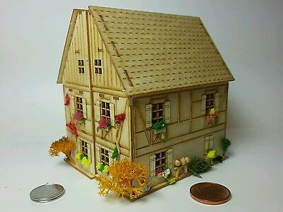 Bastelset kit H16095 7,7 cm scale 1/144 POCKET BABY HOUSE Dachgaube