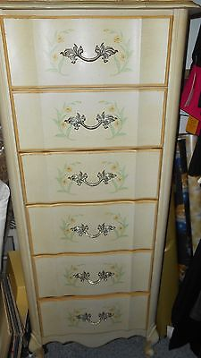 Vintage Broyhill 6 Drawer French Provincial White W/ Gold Trim  Lingerie Chest