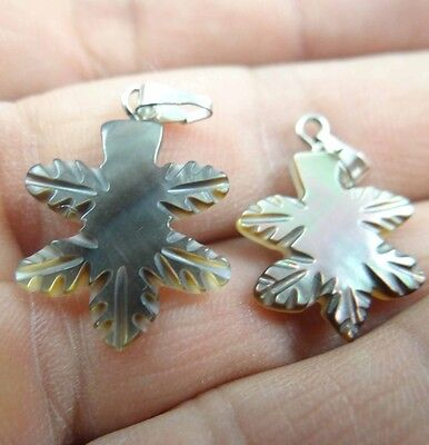 2pcs Beautiful Abalone Shell carved the statue of Maple Leaf PENDANT S18