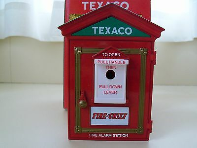 First Gear - Texaco Fire-Chief Vintage Fire Alarm Replica Bank - Diecast